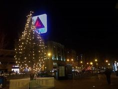 It's a #KenmoreSquare Christmas!! 🎄 #Boston #BostonLife #BostonAttitude #iHeartBoston #VisitBoston