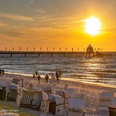 Gestern Abend am Zingster Strand. Schöne Feriendomizile und viele weitere Fotos von Zingst...  Gestern Abend am Zingster Strand. Schöne Feriendomizile und viele weitere Fotos von Zingst und Umgebung finden Sie unter Über Zingst auf unserer Seite www.aw-zingst.de  #sonnenuntergang #fahrradtour #bodden #zingst #zingstagram #sea #sonnenschein #sunshine #ostseeurlaub #kraniche #ostseeheilbad #ostseeliebe #ostsee #ostseeküste #balticsea #blauaerhimmel #bluesky #natur #nature #naturephotography… Strand, New York Skyline, Celestial, Sunset, Nature, Travel, Outdoor, Pictures, Sunshine