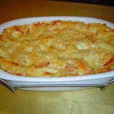 Sauerkraut Lasagne with mit roter Paprika + Weisswein.   LECKER! (Saure Sahne = sour cream, for creme fraiche maybe try greek yogurt?)