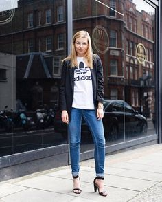 We've had a lot of Paris so here's a bit of London with @karolinagespucci. She really dressed up the @Adidas tee with a nice blazer jeans and heels. See more of her great looks on the @glamhive app (link in bio). #adidas #style #fashion #heels #jeans #ootd #look #fashionblogger #streetstyle #london #paris