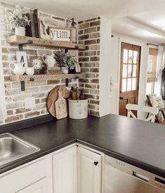 Farmhouse Kitchen Decor, Kitchen Redo, Kitchen Styling, New Kitchen, Kitchen Shelves, Kitchen With Brick, Farm Kitchen Ideas, Kitchen Cabinets, Kitchen Tops