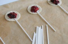 Pie Pops! love this!!!! Doing this for thanksgiving but just need to think of a filling.