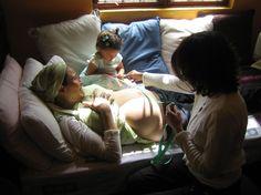 Parteras: expertas en el parto normal.  Una partera es una mujer que ha recibido un entrenamiento profesional y está capacitada para acompañar, controlar y atender los embarazos, partos y puerperios de evolución normal...