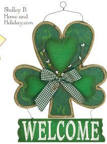Shamrock welcome wall art or door decor.  Shelley B Home and Holiday.com