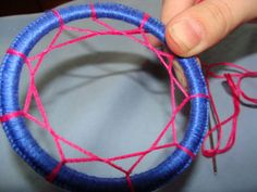 Dream Catcher Tutorial. Won't use the pearl but I like the pattern!