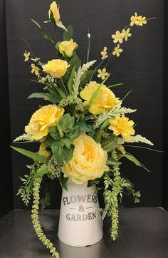 Most people seem to think that flower arrangements should only be used for special occasions, such as an anniversary party, a wedding reception, or something of that nature. But flower arrangements ca Yellow Flower Arrangements, Flower Arrangement Designs, Artificial Flower Arrangements, Beautiful Flower Arrangements, Artificial Flowers, Flower Designs, Flower Ideas, Silk Flower Centerpieces, Silk Arrangements