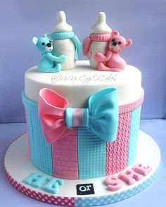 Baby Shower Cake A gender reveal cake I made yesterday. Such an excitement to do this cake. Torta Baby Shower, Tortas Baby Shower Niña, Baby Shower Cupcakes, Baby Boy Shower, Unisex Baby Shower Cakes, Twin Baby Shower Cake, Cake Baby, Pink Cupcakes, Baby Reveal Cakes