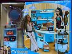 Mattel Barbie, Barbie Dolls, Scene Makeup, Disney Characters Costumes, Liv Dolls, Pattern Fashion, City, Banana, Clothing