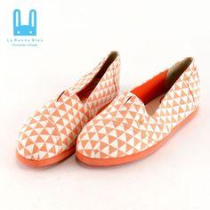 a9e4003a8db Le Bunny Bleu Size 7.5 8 8.5 Canvas Flats Loafers Slip on Casual Shoes  Orange