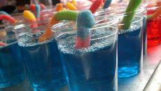 Raspberry Jello Shots Recipe - Genius Kitchen Raspberry Jello Shots, Blue Jello Shots, Jelly Shots, Blue Shots, Vodka Shots, Party Drinks, Fun Drinks, Yummy Drinks, Beverages