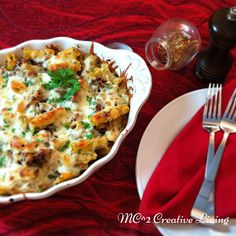 I love this simple baked pasta dish. Meat, sun dried tomatoes and cheese!!!! Hello!!!! FLAAAAAVOUR! Yes flavour! That's what this dish is all about, lots and lots of flavour! Sun dried tomatoes are…