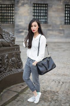 Adopter le look sport chic. stylish ways to wear your adidas stan smith sneakers Adidas Stan Smith Outfit, Adidas Stan Smith Sneakers, Style Désinvolte Chic, Casual Chic Style, Trendy Style, Sport Chic, Style Stan Smith, Chic Outfits, Sport Outfits