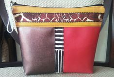 #cosmeticbag Cosmetic Bag, How To Make, Toiletry Bag, Makeup Pouch