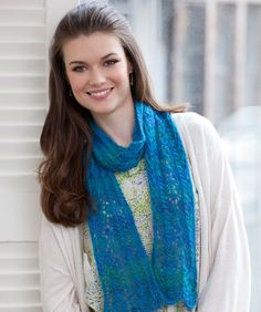 Easy Lace Scarf #Lacie #knitting #RedHeart