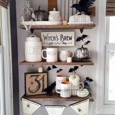 Home Interior • Halloween Décor