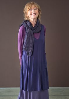 Toned down, classy boho influence Tunic in solid colour silk. GUDRUN SJÖDÉN