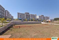 Paisagismo do Rio Potengi. Condomínio fechado de apartamentos localizado em São José do Rio Preto / SP.