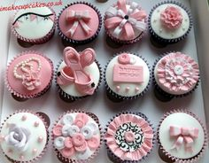 Buttons, bows and bunting cupcakes from the Brown Eyed Girl Bakery