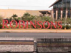 Robinson's Mall on Mac Arthur Boulevard in Angeles City Pampanga Philippines #angelescity #balibagostreets #pampanga