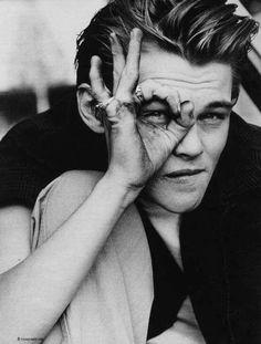 Leonardo DiCaprio ma töltötte negyvenedik életévét! Isten éltesse!