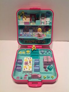 Polly Pocket Party Time Surprise Play Set. by jetsDesiderium