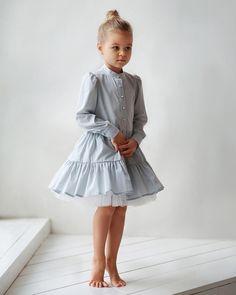 997 отметок «Нравится», 8 комментариев — miko   concept kids wear (@miko_kids) в Instagram: «Воздушное ..серо-голубое платье «Пуговки»...❤️ • Состав: 90% хлопок ,10% полиэстер (фатин). • Цвет:…»