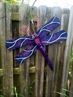 Image on The Owner-Builder Network  http://theownerbuildernetwork.co/wp-content/uploads/2015/05/Ceiling-Fan-Blades-Dragonflies-11.jpg