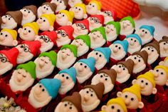 Doces Personalizados Buffet Kids, 4th Birthday, Birthday Parties, Princesa Fiona, Snow White Birthday, Princess Theme Party, Sofia Party, Cute Cupcakes, Marzipan