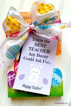 Teacher Appreciation | Easter | teacher gift | free printable tag | chocolate bunny gift | easy gift giving | Spring | DIY gift idea