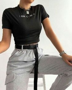 Cute Comfy Outfits, Edgy Outfits, Teen Fashion Outfits, Mode Outfits, Simple Outfits, Look Fashion, Girl Outfits, Fashion Women, Girl Fashion