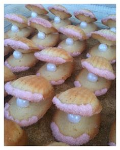 *Rook No. 17: recipes, crafts & creative nesting*: Oyster & Pearl Madeleine Cakes ~ Sweet Shells by the Seashore
