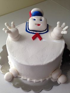 Ghostbusters Stay Puft Marshmallow Man cake~lol