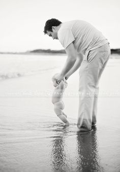 © Heidi Hope Photography #photographer #photography #portrait #baby #beach #family