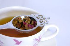 Straining loose leaf tea