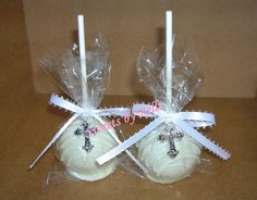 cake pops – cute 1st Communion party favor for J