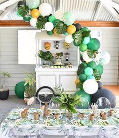 balloon decoration for safari party Jungle Theme Birthday, Wild One Birthday Party, Hawaiian Birthday, 1st Boy Birthday, Boy Birthday Parties, Baby Party, Jungle Theme Baby Shower, Baby Boy Birthday Themes, Safari Theme Party