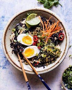 Es hora de comer  que te espera hoy? El equipo de Bitrendy se va a disfrutar de un #ramen   #picoftheday #eldiaadia #lunchtime #japanesefood #foodporn #instapic