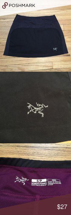 Arcteryx black gym tennis mini skirt - sz Small Arcteryx black gym tennis mini skirt - sz Small. Waist - 14.5 inches. Length - 14 inches. Excellent condition. Arc'teryx Skirts Mini