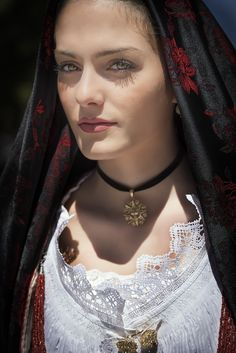 Costume di Orosei Turkish Women Beautiful, Beautiful Muslim Women, Most Beautiful Indian Actress, Beautiful Hijab, Beautiful Celebrities, Traditional Fashion, Traditional Outfits, Mediterranean People, Caucasian Race