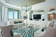 séjour déco en blanc et turquoise