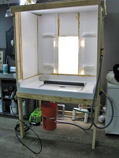 DIY washout booth – silkscreen - Home Screen Printing Supplies, Screen Printing Equipment, Diy Screen Printing, Digital Printing Machine, Screen Printing Machine, Diy Paint Booth, Wood Shop Projects, Diy Projects, Art Storage