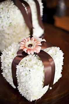 Baby shower, cool idea with flowers