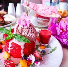 Social hideout cafe in Sydney, red velvet hotcakes Pitaya, Red Beans, Baby Food Recipes, Food Baby, Dessert Table, Dessert Ideas, Fun Desserts, Red Velvet, Panna Cotta