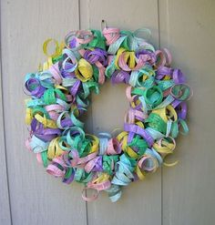 Tutorials - Couture Jewelry and Design by Dale Wayne Reuse Plastic Bottles, Plastic Bottle Flowers, Plastic Bottle Crafts, Easter Wreaths, Holiday Wreaths, Auction Projects, Shabby Chic Crafts, Recycled Art, Deco Mesh Wreaths