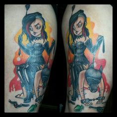 part healed, part fresh and i have to learn how to take non-shitty photos...but it was a lot of fun :D  #pinup #slave #domina #toys #doggie #petplay #bdsm #leg #tattoo #color #ironcobratattoo #berlin #yaaayz!