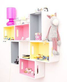 diy shelves with simple wooden boxes. , Colorful diy shelves with simple wooden boxes. , Colorful diy shelves with simple wooden boxes., Colorful diy shelves with simple wooden boxes. , Colorful diy shelves with simple wooden boxes. Deco Kids, Kids Room Design, Wall Storage, Book Storage, Little Girl Rooms, Kid Spaces, Space Kids, Kids Decor, Decor Ideas