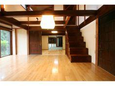 古民家の特色や雰囲気を残すために和のリビングをもうけました。Onocom Design Center