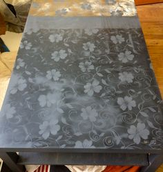 I like the idea of a bit of silver leaf on the table. Furniture Outlet, Cheap Furniture, Painted Furniture, Furniture Ideas, Painted Coffee Tables, Baby Crafts, Artsy Fartsy, Arts And Crafts, Diy Projects
