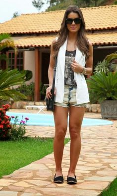 Look: Camila Coelho - Colete + Jeans. Fashion modait moda it alpargata verão
