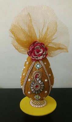 Wedding gifts wrapping ideas brides Ideas for 2019 Indian Wedding Gifts, Desi Wedding Decor, Indian Wedding Decorations, Wedding Crafts, Wedding Art, Engagement Decorations, Wedding Mandap, Kalash Decoration, Thali Decoration Ideas